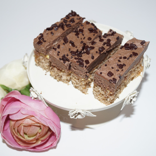 Prajitura cu nuca si crema de cacao